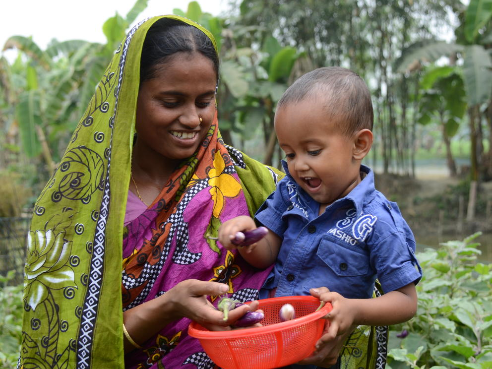 Mutter Kind Ernte Bangladesch  world vision