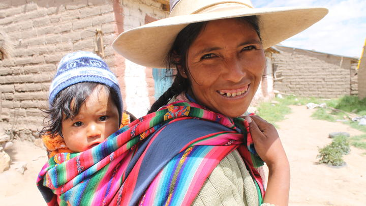 Mutter mit Kind in Bolivien