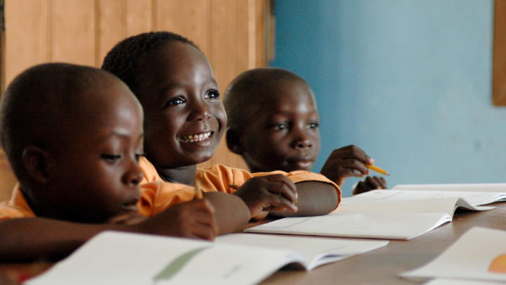 Alle Studien des World Vision Instituts